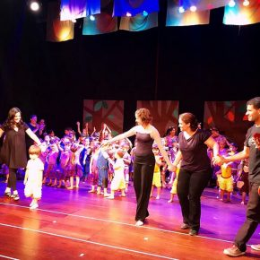 """Mostra de Dança, Música e Teatro Beacon School tem releitura de """"Os Saltimbancos"""""""